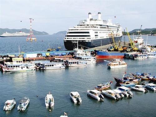 Giá cổ phiếu ngành vận tải biển chìm sâu