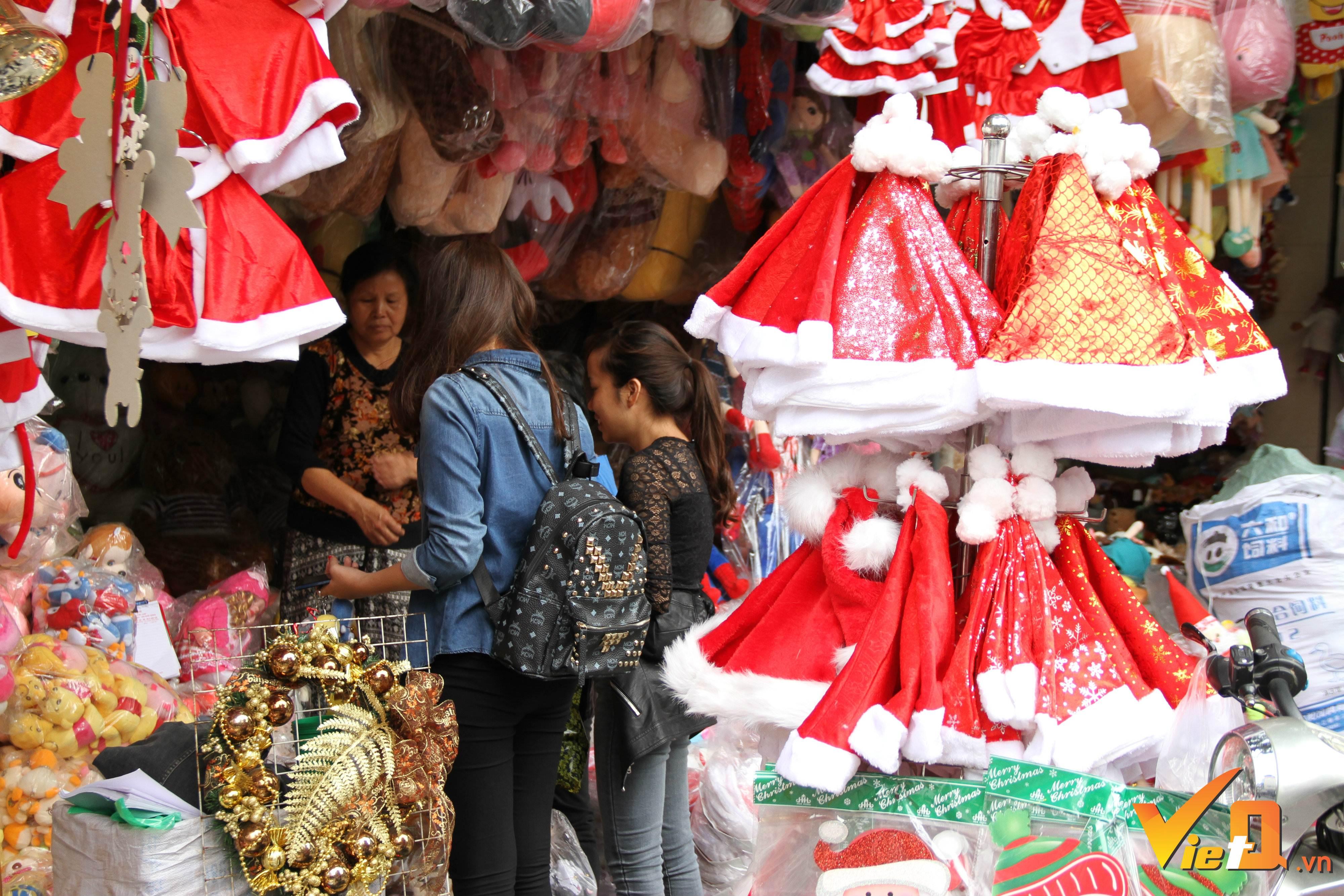 Thị trường hàng hóa mùa Giáng sinh 2016