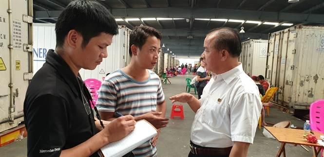 Sang Trung Quốc xem mua bán thanh long thế nào