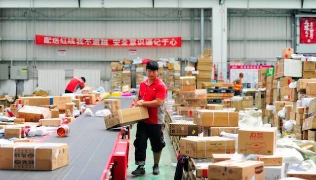 Thương mại điện tử thúc đẩy phát triển ngành logistics ở Trung Quốc